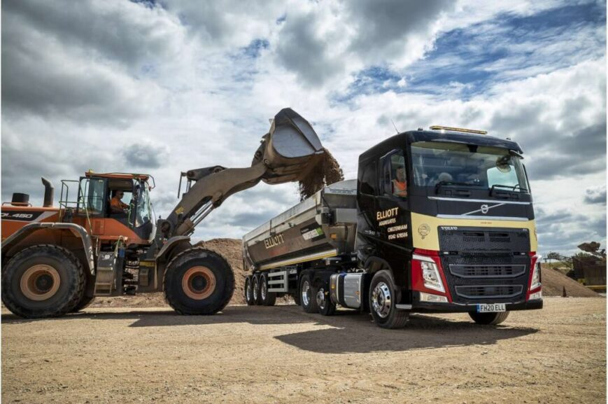 Volvo FH540 6x2 with pusher axle